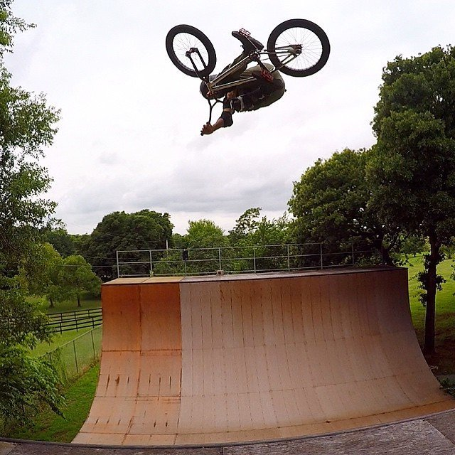 another day another solo session invert. #backyardsess43