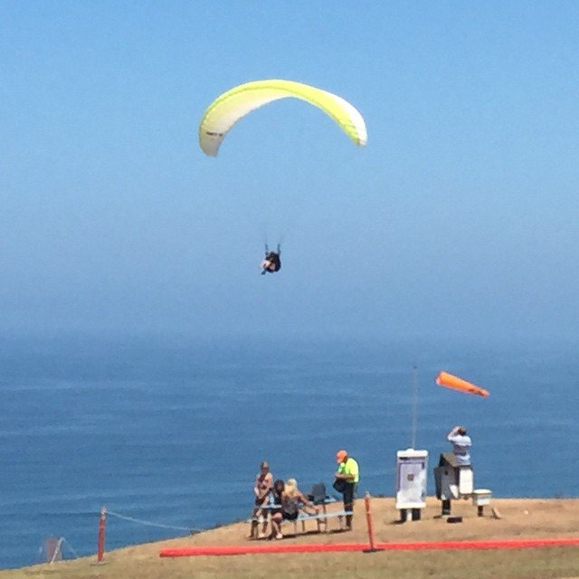 Going to take a flight around la Jolla.  #torreypinesgliderport