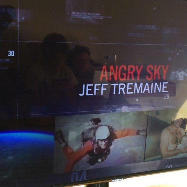 Showtime!  @gorillaflicks #AngrySky
