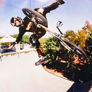 I saw this photo of a photo surface online of a variation I haven't thought of in a while, a one hand peacock. It's like a nothing then grad your front peg with one hand and try to hold it for as long as you can.