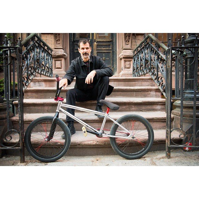 Flashback. stoopin on @123dortiz stoop in NYC. Photo by @giovannireda