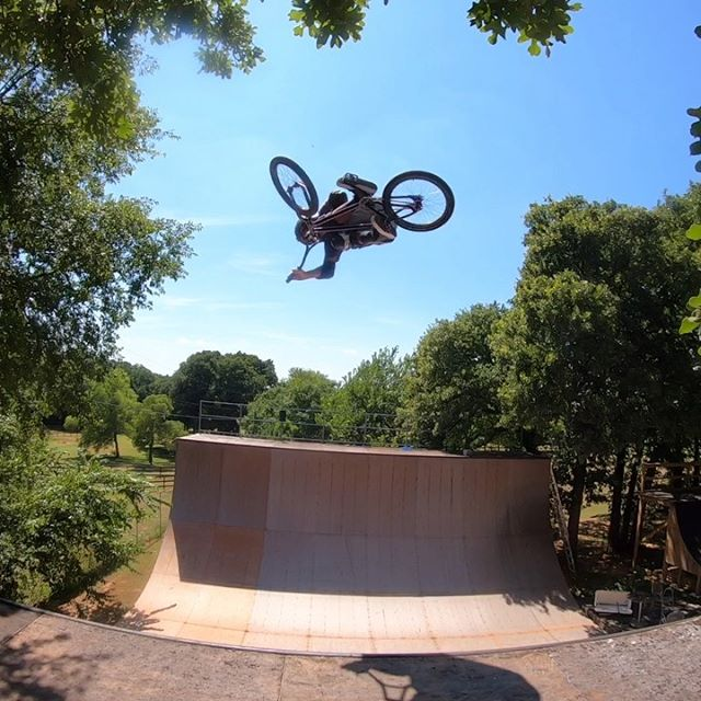 Another day another #backyardsess434.  But tomorrow I get the honor to head to Huntington Beach to do a demo at the US Open.  Thanks for the invite @vansbmx66  btw I slipped a pedal on a Superman today, but I didn't catch it on my GoPro, but thought I'd share the aftermath... don't worry my shins are all scar tissue and numb to pedal bites. #merelyafleshwound