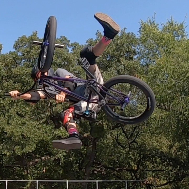 #backyardsess435 with @psychobmx69 @dravingroove @loganwallace_  today